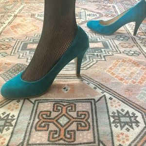 ALDO Turquoise Teal SUEDE Round Toe Heels Size 7